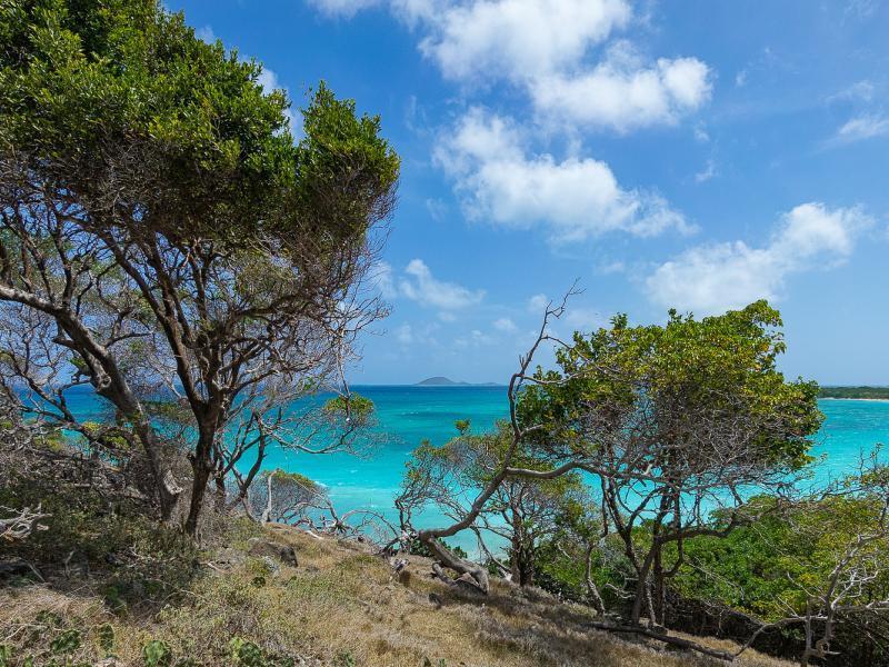 Carriacou: Exploring Windward, Gun Point, and Petite Carenage