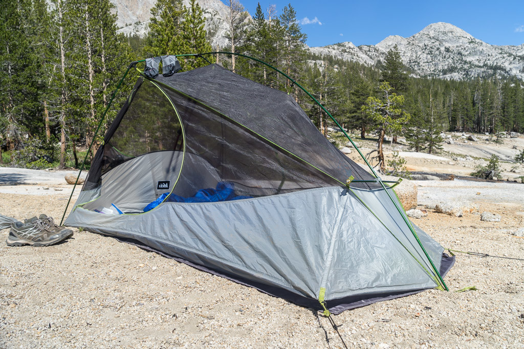 I hate the term u201csemi-freestandingu201d. Either itu0027s freestanding or itu0027s not. The corners of the foot need to be staked or guyed out even though the tent is ... & A Summer to Review the REI Dash 2 Ultralight Tent