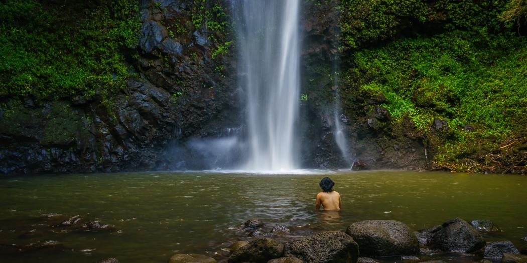 Hawai'i: Uluwehi Falls Kayak & Hike